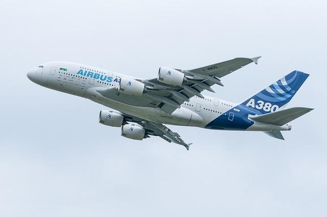 ANAのハワイ路線にA380型機が就航。「FLYING HONU」と名付けられた機体にはファーストクラスが設置されます。