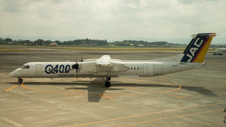 DASH8-400型機(Q400)