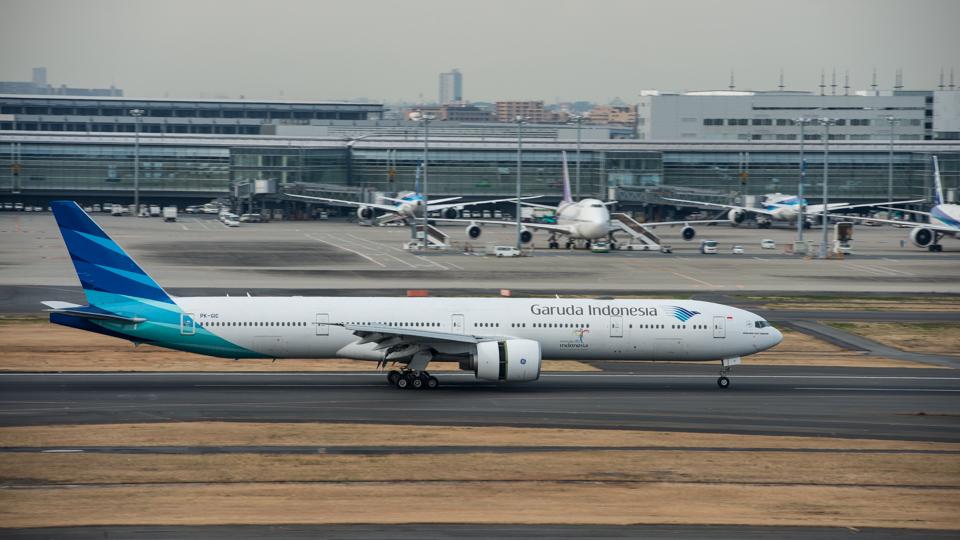 羽田空港に到着したガルーダインドネシア航空