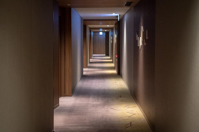 大阪マリオット都ホテルの客室階廊下