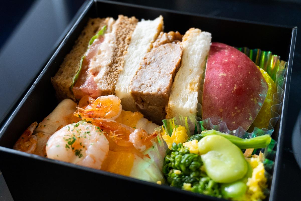 ANAプレミアムクラスの朝食、サンドイッチ。