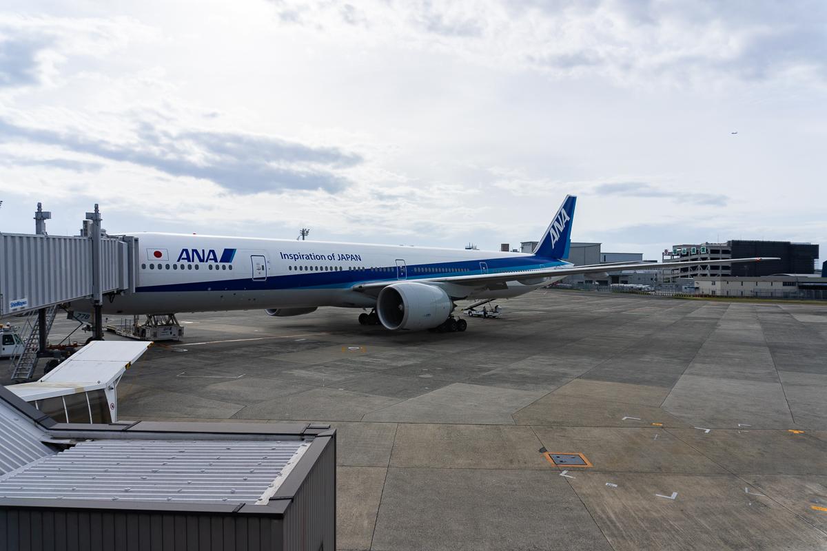 伊丹空港に駐機中のJA778A